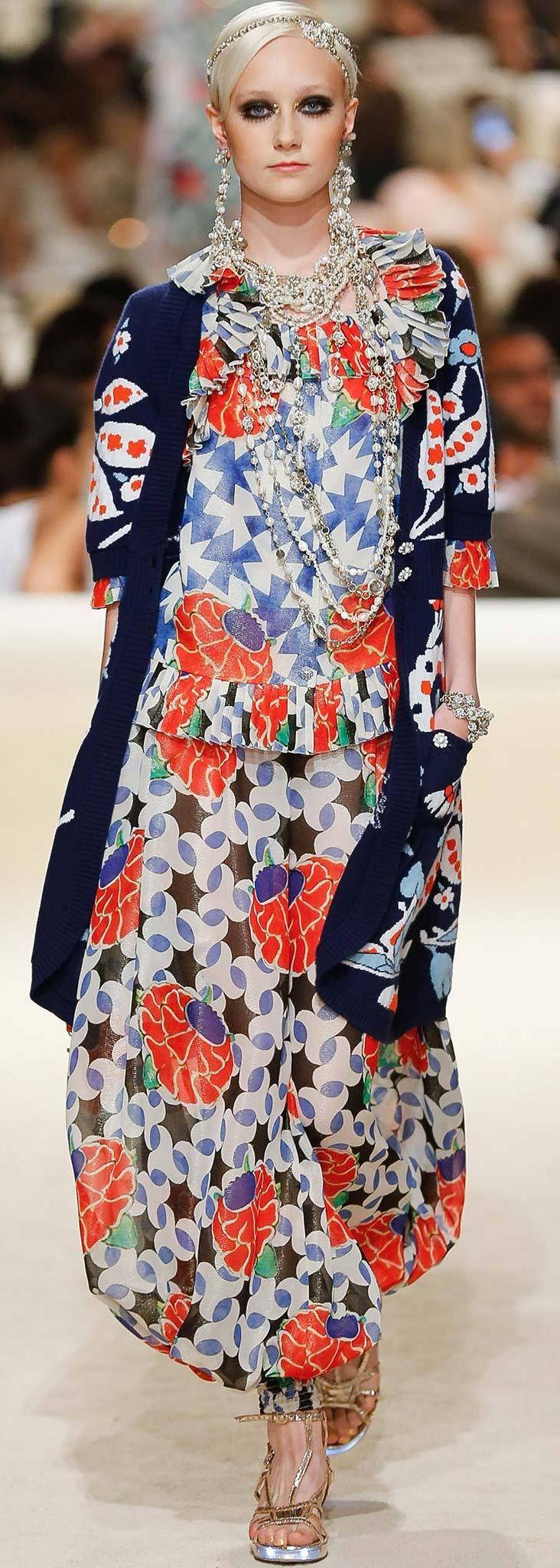 シャネルの花柄ファッション、リゾートにいかが?タイプ別ハイファッションのアイデア☆ 明日のスタイルの参考に♪