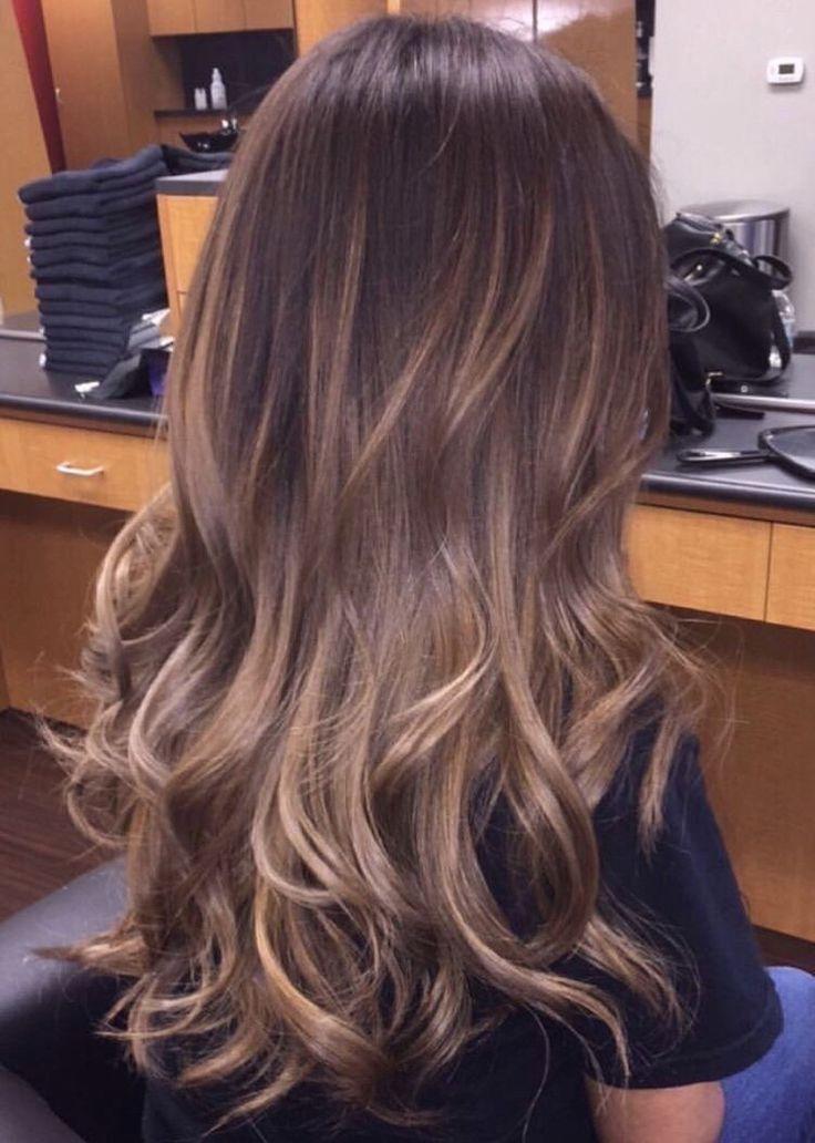 20 wunderschöne braune Haare mit Hightlights