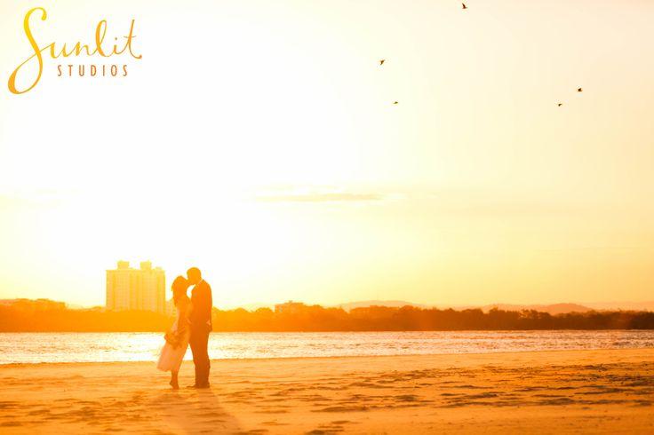 Wedding Photos at the beach, Maroochydore Wedding Photography