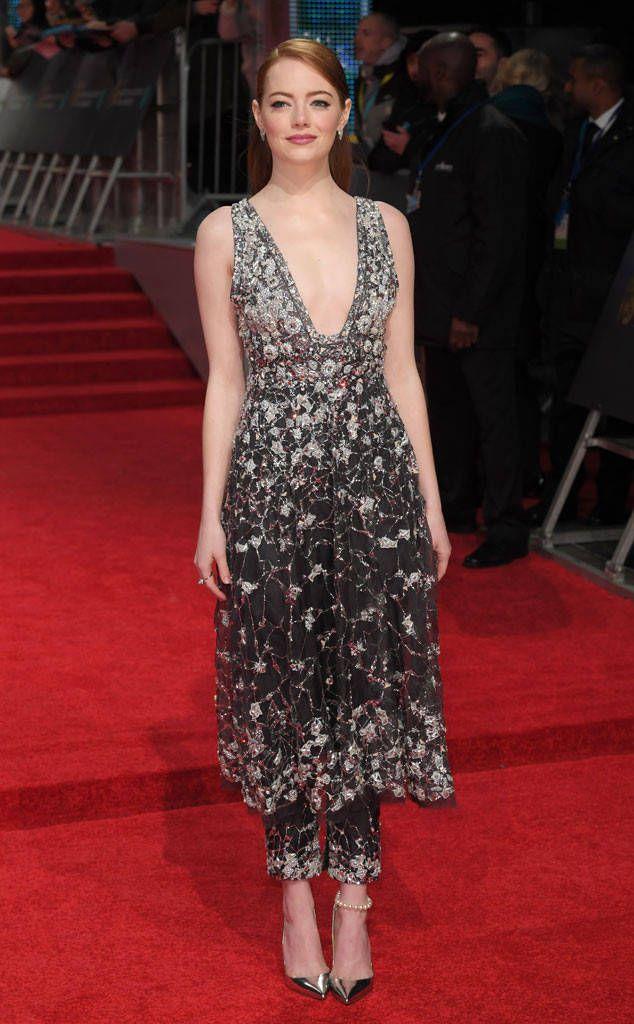 Emma Stone from Prêmios do Cinema BAFTA de 2017: chegadas ao tapete vermelho  A estrela La La Land brilha em calças com uma sobreposição de vestido.