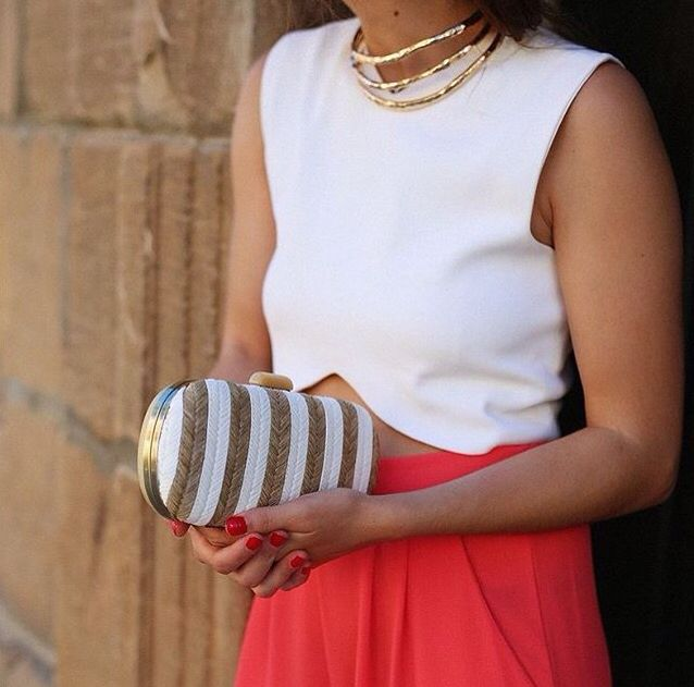 Beautifull how to wear picture with the Abbacino White/Gold Clutch. #DoubleCheck #Abbacino #Clutch #Fashion #Gold #And #White