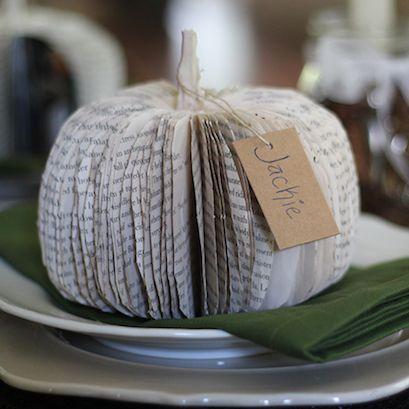 Het is bijna Halloween: hét feest om lekker te genieten van herfstachtige gerechten en versieringen voor in huis. Snijd bijvoorbeeld een pompoen uit