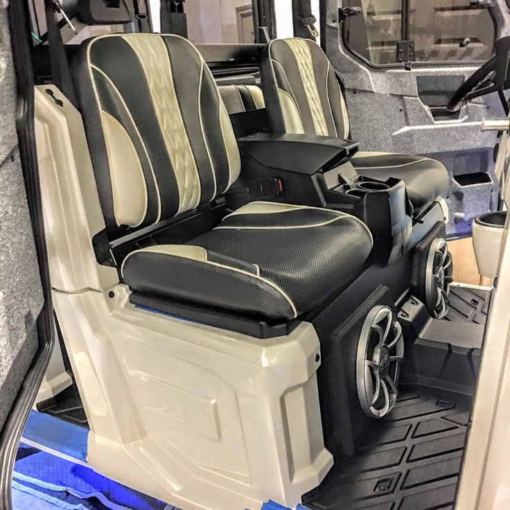 """High Limit"" is Woods Cycle Country Customs entry at this year's SEMA event. Even the seats in this 900 Ranger Crew are custom!  http://www.woodsc3.com/sema-2016/ #WC3 #WoodsCycleCountry #Polaris #Ranger #SEMA #SEMA2016"
