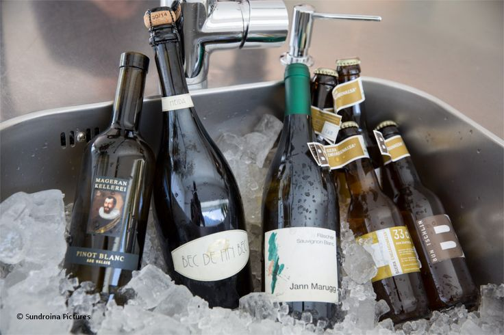 Walliser Pinot Blanc von der Kellerei Mageran, Walliser Schaumwein Heida von der Cave Fin Bec, Fläscher Sauvignon Blanc von Jann Marugg, Biera Engiadinaisa aus Tschlin