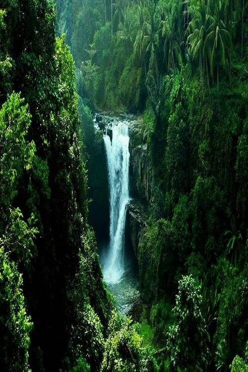 Tegenungan Waterfall, Indonesia, Bali.