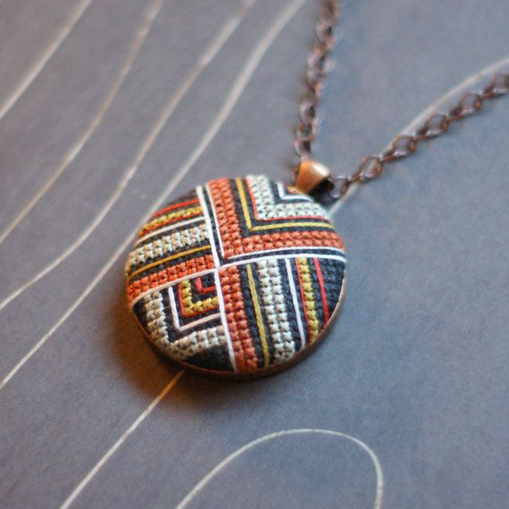 Margaret Cross Stitch Necklace par TheWerkShoppe sur Etsy