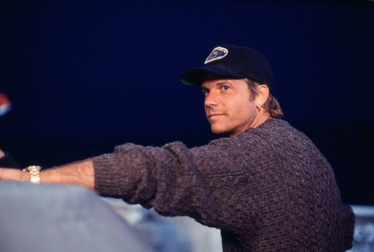 Pin for Later: Swoon Over These Original Titanic Pictures Bill Paxton in Titanic.