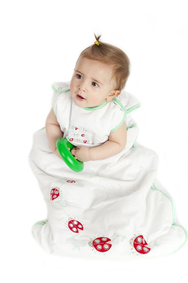 Uğur böcekleri, bebeğinize uğur getirsin..Birbirinden güzel desenler, farklı kalınlıklar ve 6 yaşa kadar 4 farklı beden seçeneği Dream Bag Türkiyede...