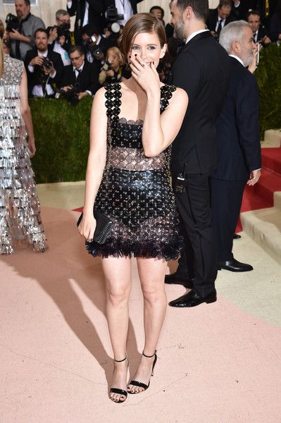"""Actress Kate Mara attends the """"Manus x Machina: Fashion In An Age Of Technology"""" Costume Institute Gala at Metropolitan Museum of Art on May 2, 2016 in New York City."""