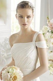 Geri Dress Avenue Diagonal - Butterfly Code | Rochii de mireasa Butterfly Code | Wedding Dress Butterfly Code