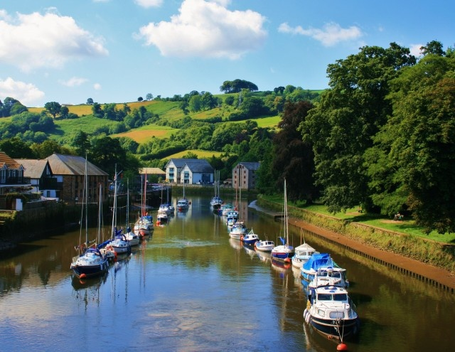 Totnes, Devon, England: A view of the River Dart from Totnes Bridge.