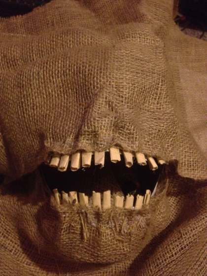 How to make a Scary Scarecrow Mask (With Moveable Jaw) - would go great with a scarecrow pin I have
