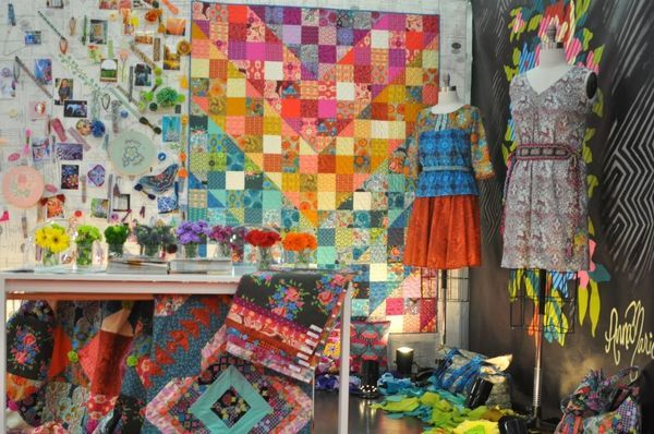 Fall Quilt Market 2013 - Free Spirit Fabrics Part 1 - Anna Maria Horner--look at that beautiful quilt.  kit available?