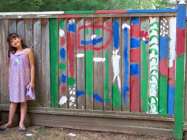 8 Cool Ideas for letting kids create BIG art!