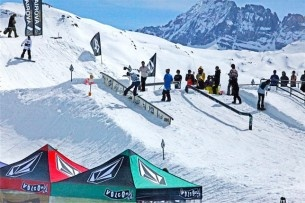 Volcom Stone...snowboard rail contest