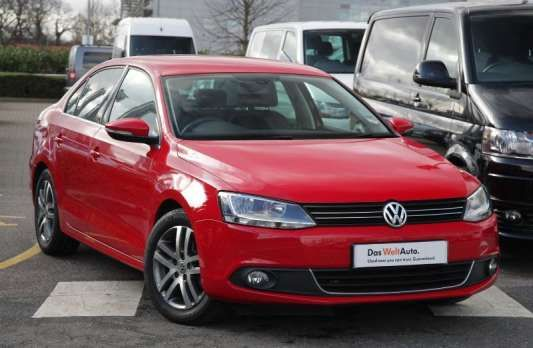 Used 2013 (63 reg) Red Volkswagen Jetta 1.6 TDI CR Bluemotion Tech Sport 4dr for sale on RAC Cars