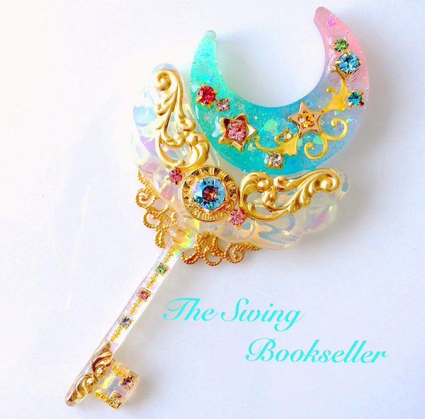 Special & Beautiful Blue Moon  Resin Key. ☺❤
