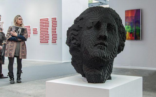 Den mexikanske konstnären Miguel Chevalier har arbetat uteslutande med datorer och digital konst sedan 1978 och är en av pionjärerna på området. Nu har han genom ett samarbete med 3d-printerleverantörern Voxeljet 3d-printat en av sina digitala kreationer.