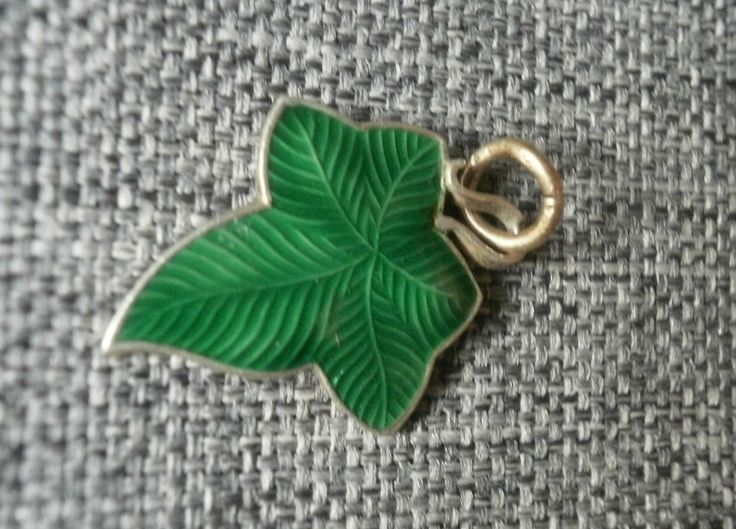 Silber Medaillon Charm Efeu ivy enameled Jugendstil Bettelarmband   eBay