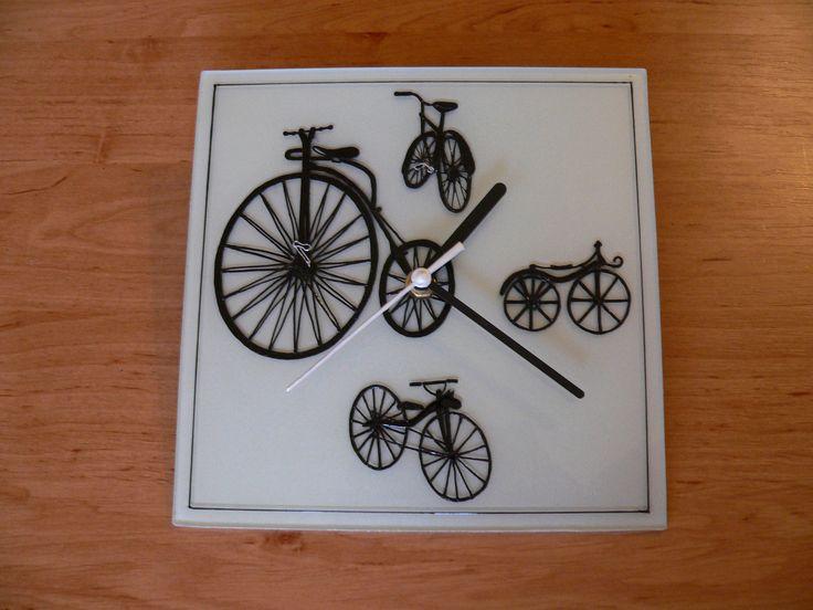 glass painting - Bike,clock = Üvegfestés - Biciklis óra