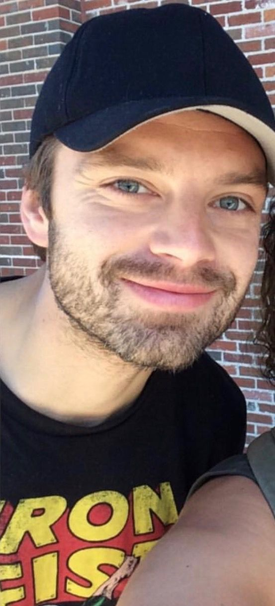 Sebastian ⭐️ Stan Sweetest smile! With a fan in Atlanta May 26, 17 (original poster cropped pic)