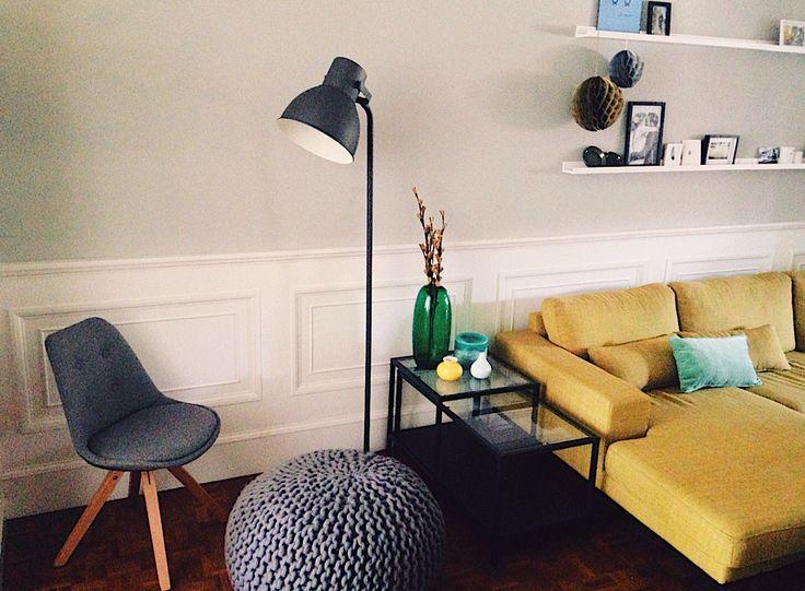 Bank Wehkamp.nl • stoel plus poef Loods5 • lamp plus tafel Ikea •