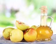 Apfelessig gegen Nagelpilz