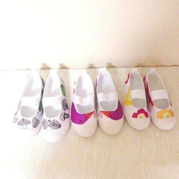 真っ白な上靴をデコパージュした作品です。15cm~オーダー可能です!上靴は20cmまでは1cmきざみのものしかありませんので20cっまでは15cm、16cm、...|ハンドメイド、手作り、手仕事品の通販・販売・購入ならCreema。