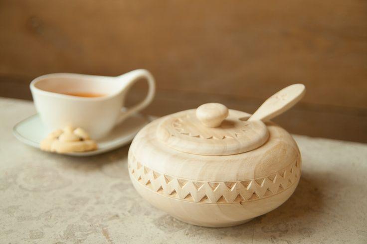 Wooden sugar bowl / Cukiernica drewniana