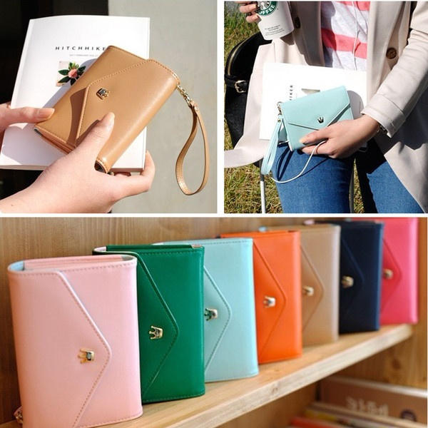 iPhone 4/5 wristlet case... cuteness! wishlist