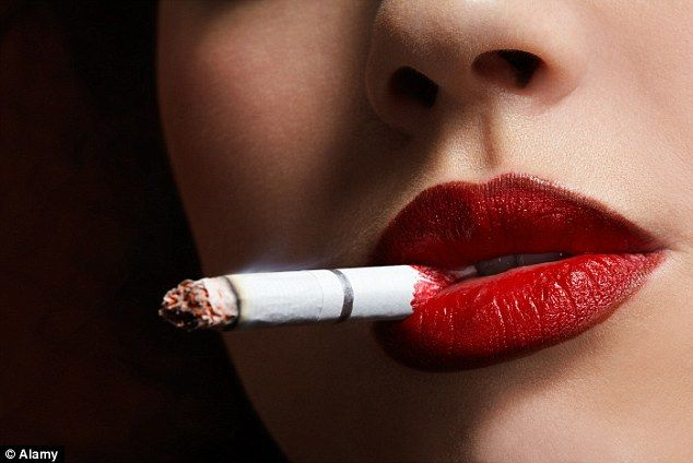 Images reveal men and women react differently to cigarettes ...