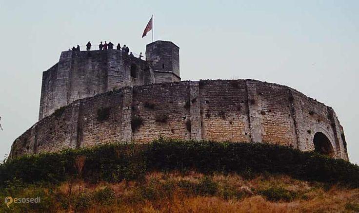 Жизорский замок – #Франция #Верхняя_Нормандия #Жизор (#FR_Q) Исторический памятник Жизора. Главная его достопримечательность.  ↳ http://ru.esosedi.org/FR/Q/1000443375/zhizorskiy_zamok/