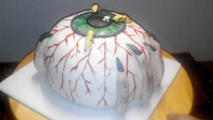 Gâteau œil en pâte à sucre pour Halloween