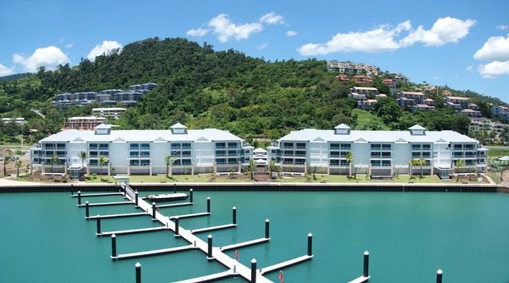 how to get to hamilton island from airlie beach