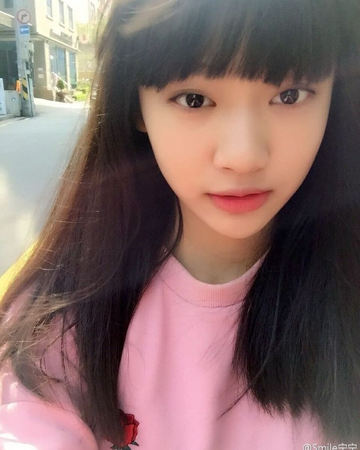 Happy 15th birthday to the lovely SM Rookie Ning Yi Zhuo (NingNing).  * She is from Harbin China. * SM Rookies isn't a group but a way for predebut trainees to showcase their talents.