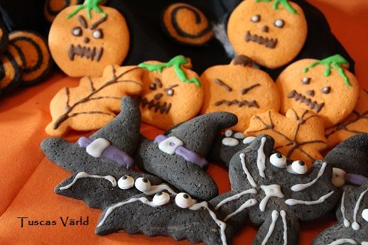 Alla behöver ett bra recept på mördeg. Det är en flexibel deg som passar lika bra till paj som småkakor. #halloween #glutenfritt #höst #småkakor Recept finns i länken.