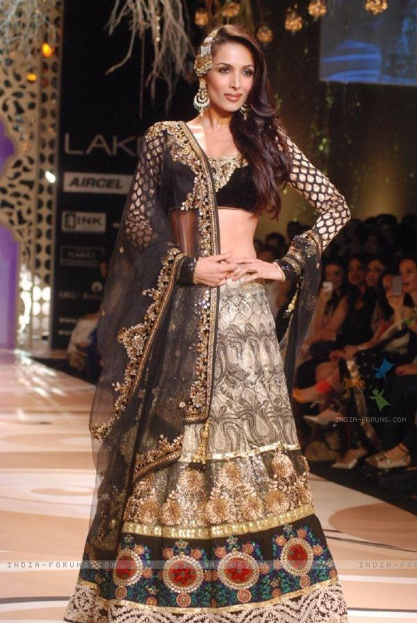 Malaika Walks The Ramp In Unique Lehenga Choli At Lakme Fashion Week - Online Shopping For Lehnga