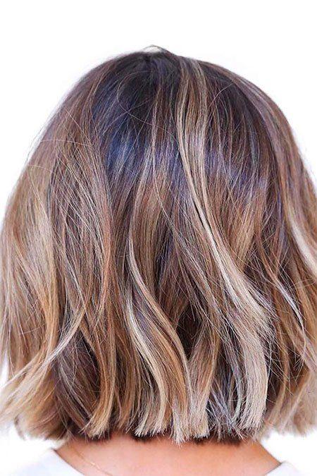 Vibrante Bob Cortes de cabelo com Camadas - http://bompenteados.com/2017/12/10/vibrante-bob-cortes-de-cabelo-com-camadas
