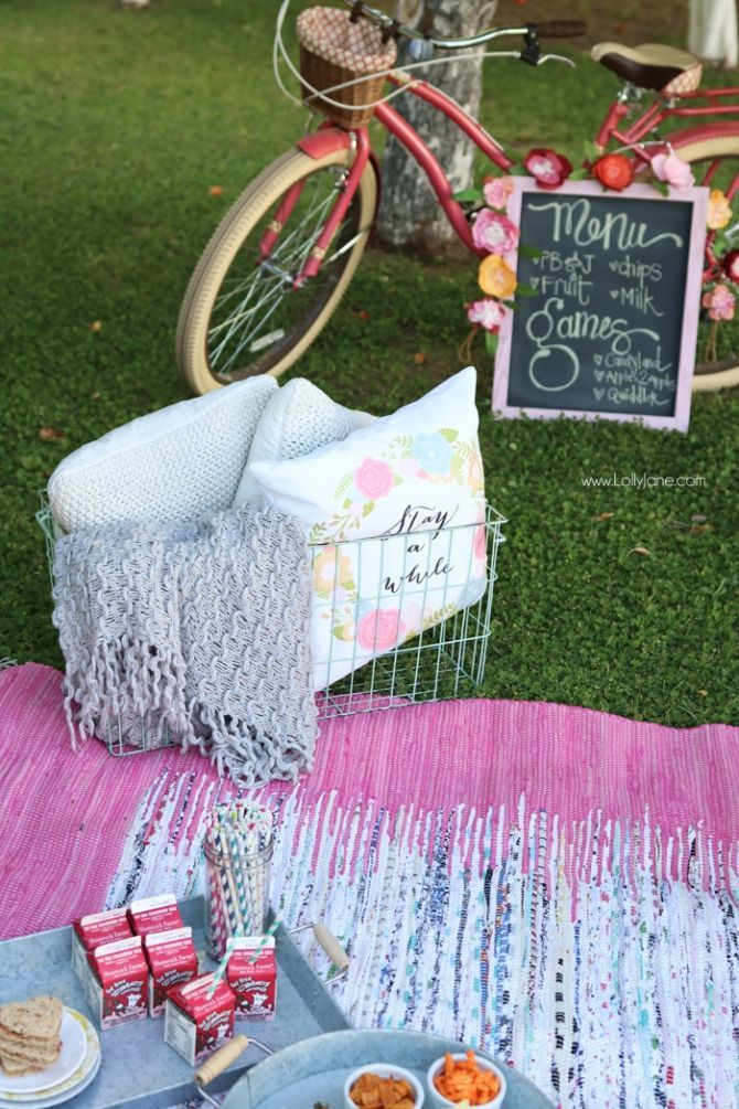 Get outdoors and enjoy a picnic! Love these pretty kids picnic ideas, lots of outdoor activities included!: