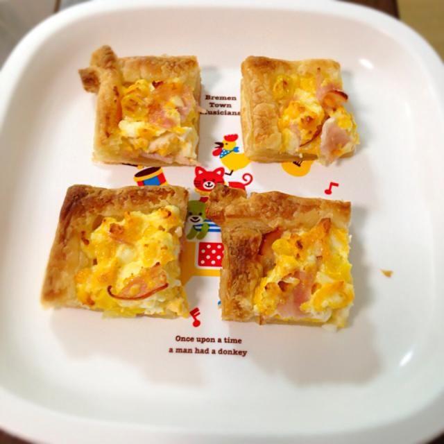 卵、ハム、とうもろこしでおかずパイ 子どものお昼ご飯に。 - 9件のもぐもぐ - ミニパイ by h4thavenuecafe