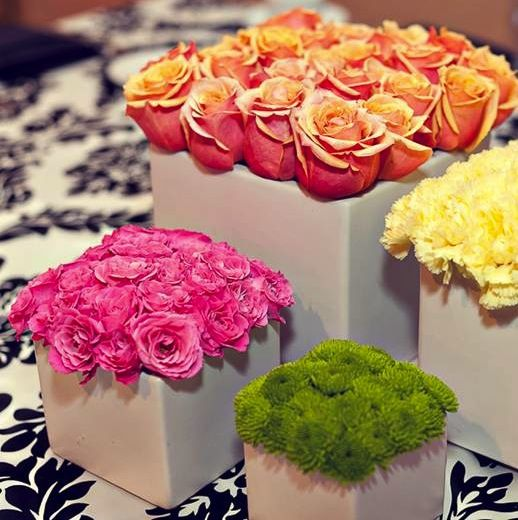 Having a party at your house, or just been charged with coming up with décor for a work event? Don't worry—creating a stunning centerpiece doesn't have to stress you out (or cost you a fortune!). Here's the how-to on do-it-yourself floral arrangements that will look like they were designed by a pro.      Modern Fun