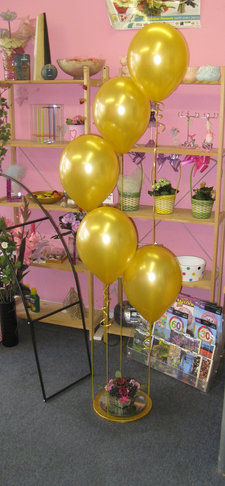 Balloon decoration ideas our level 1 beginners balloon for Balloon decoration classes