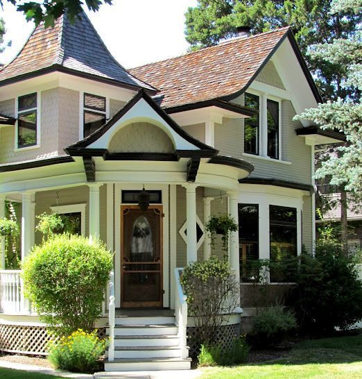 Black trim victorian old houses and stuff pinterest for Victorian house trim