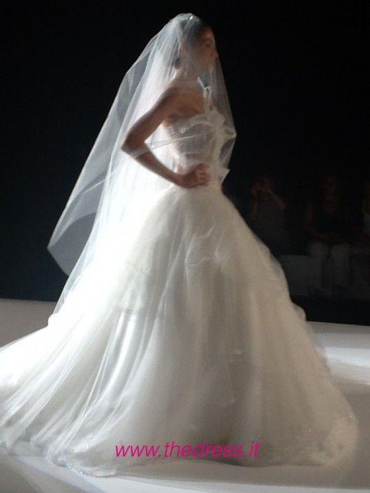 http://www.thedress.it/4671/amelia-casablanca-2013-abito-da-sposa-rosa-per-vere-principesse/