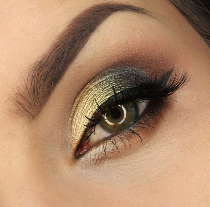 'Emphasis on Green' look by Justyna Kolodziej using Makeup Geek's Brown Sugar, Goddess, Mango Tango, Mocha, Shimma Shimma, Houdini, Jester, and Magic Act eyeshadows and foiled eyeshadows!