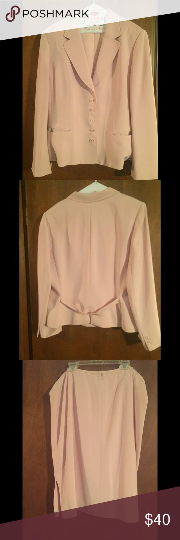 Pink women's suit--jacket and skirt. Pink women's suit--jacket and skirt. Size 18. Really nice details. Great condition. Skirt has side slits.  See pictures. Jackets & Coats