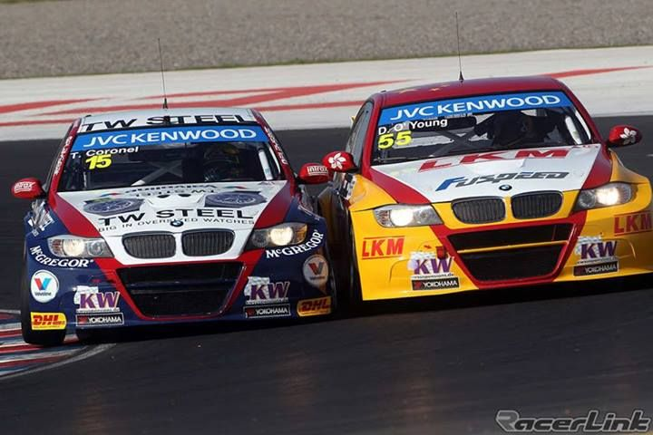 ca Close encounter between the ROAL BMW teammates, Tom Coronel and Darryl O'Young during the qualifying session for Argentina WTCC.