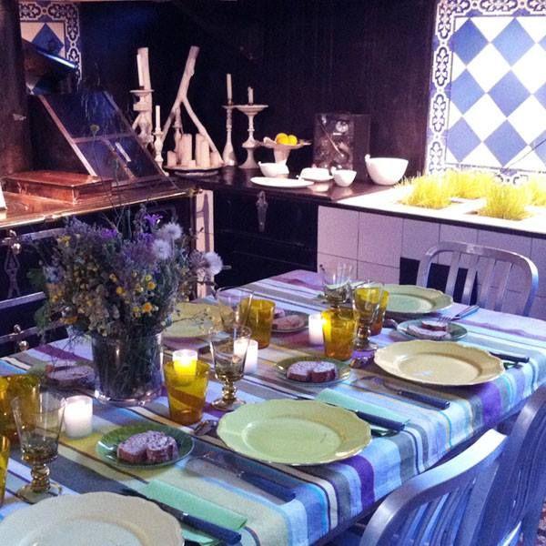 60 best toiles du soleil decorated table images on pinterest la perla lingerie tablecloths. Black Bedroom Furniture Sets. Home Design Ideas