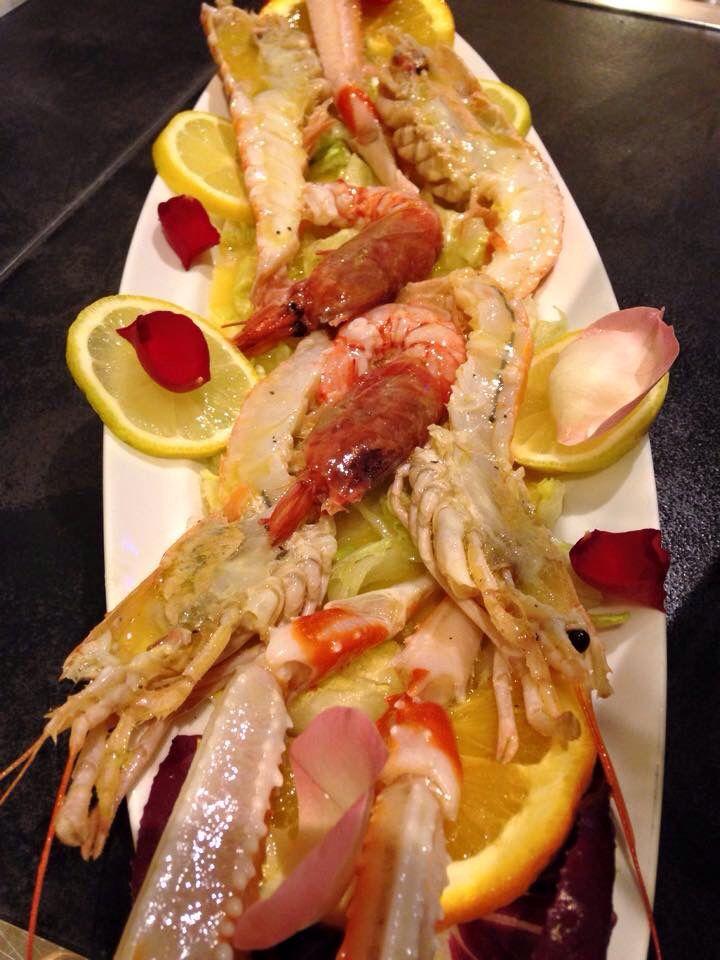 Crudo di scampi e gamberoni rossi di Sicilia #fish#kitchen#seafish#sea#food#lunch#dinner#diet#restaurant#cagliari#sardegna#ostriche#cibo#ristorante#marina