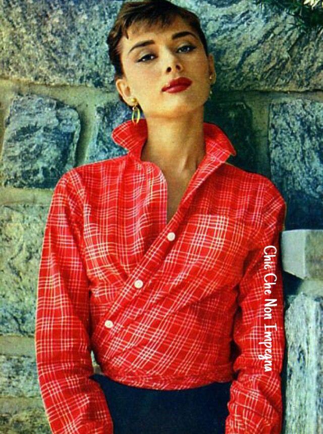 Nuove tendenze : Wrap & Tuck, come Audrey! ☺️  http://www.chicchenonimpegna.it/2015/04/tendenze-camicia-kimono.html?m=1